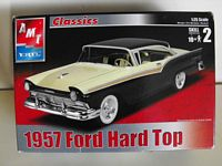 AMT_31544 1957 Ford Hard Top (1:25)