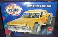 AMT_38619 1965 Ford Fairlane (1:25)