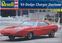REV_85-2824 '69 Dodge Charger Daytona (1:25)